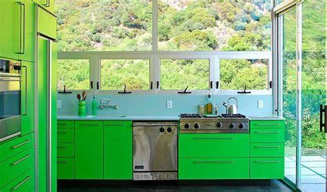 bright green kitchen עיצוב מטבח איך לשלב צבעים ססגוניים במטבח 1799