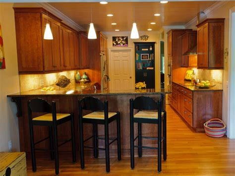 Add Your Kitchen With Kitchen Island With Stools