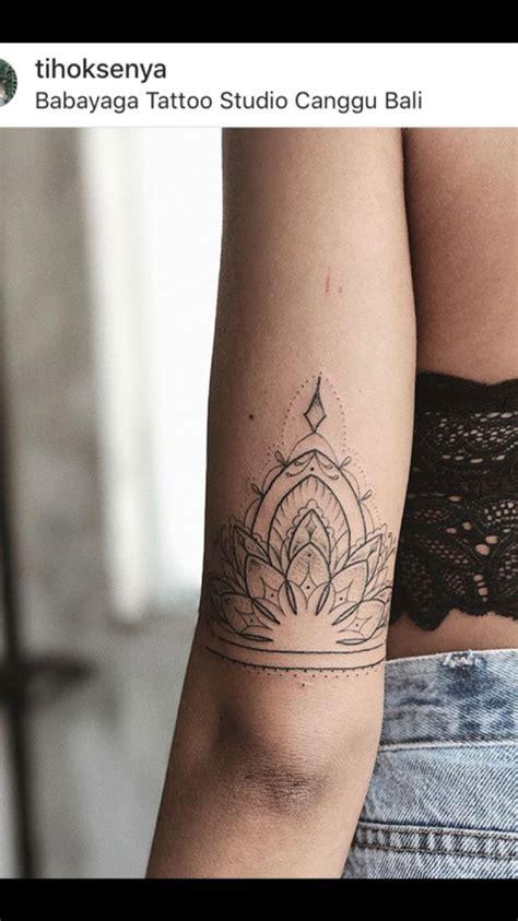 epingle par nathalie wuillot sur tatouage mandala tattoo