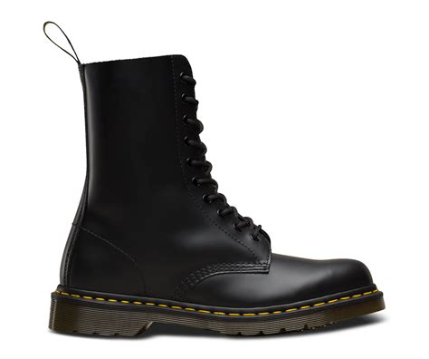 dr martens   eyelet black smooth leather boots shoe shuffle