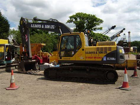 volvo construction equipment tractor construction