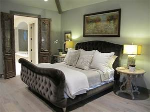 Lovely Sleigh Bed Decorating Ideas
