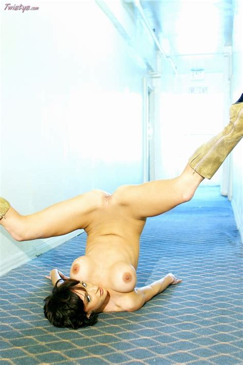 Harley Davis Harley Davis Gets Naked And Babes And