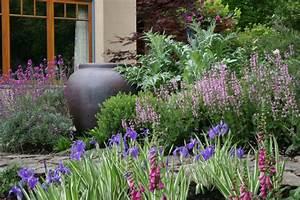 Heimische Pflanzen Für Den Garten : pflegeleichter garten rund ums jahr tipps f r hobbyg rtner ~ Michelbontemps.com Haus und Dekorationen