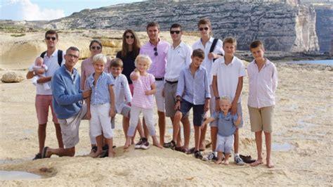 canap famille nombreuse famille nombreuse du quotidien astrid di crollalanza
