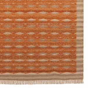 tapis contemporain kilim orange et beige en laine et jute With tapis kilim avec canapé fabrication belge