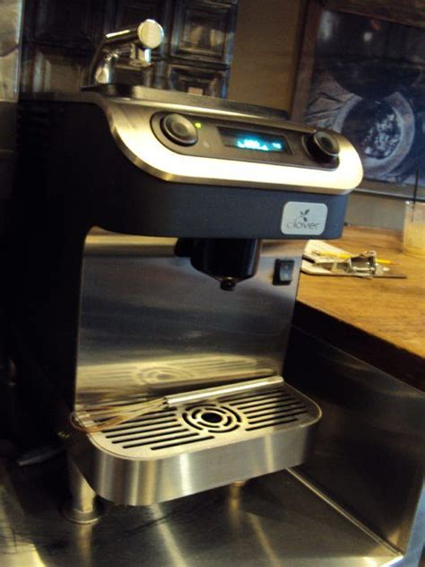 To operate this coffee maker, grounded coffee is submerged in hot water and then filtered at the finish. starbucks clover brewing system - Google Search ...