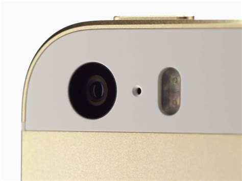 iphone  preview isight camera combines improved sensor