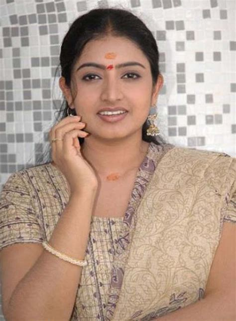 The King Southindian Actress Sujitha Hot Photogallery