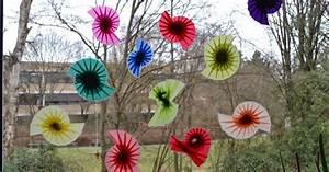 Blumen Basteln Fensterdeko : fadenspiel und fingerwerk spiralen an die fenster ~ Markanthonyermac.com Haus und Dekorationen