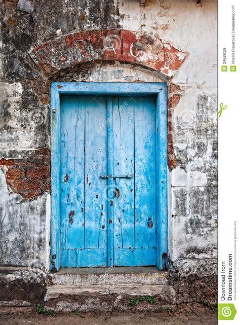 vintage blue door royalty  stock images image
