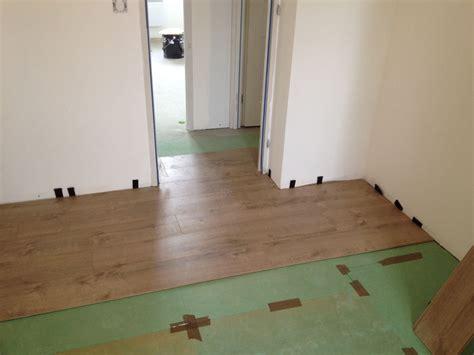 peinture stratifié cuisine travaux intérieurs pose des sols de l étage ma maison