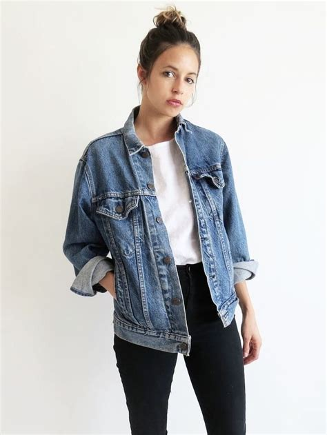 Best 25+ Jean jacket outfits ideas on Pinterest | Black jean jackets Green jeans outfit and ...