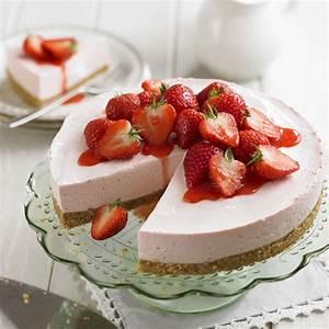 Strawberry Cheesecake with Strawberry Sauce