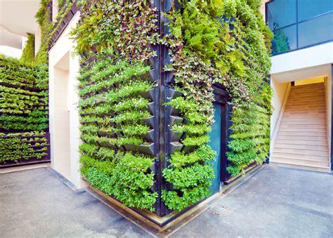 taman vertical garden jakarta bsd bintaro