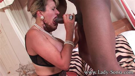 Milf Lady Sonia Having Rough Oral Sex With Black Dude