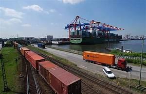 Miet Mich Hamburg : die transporter hamburg pkw verteilen sich auf drei spuren transporter fahrer stirbt bei ~ Buech-reservation.com Haus und Dekorationen