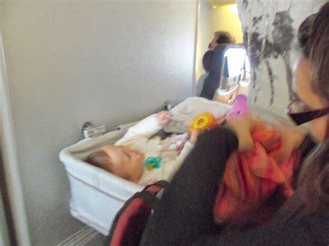 siege bebe avion dans l 39 avion avec bébé partie 1 la place de bébé