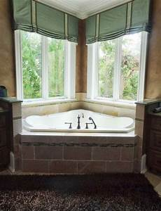 Bathroom window treatments ideas vizimac for Window dressing ideas for bathrooms