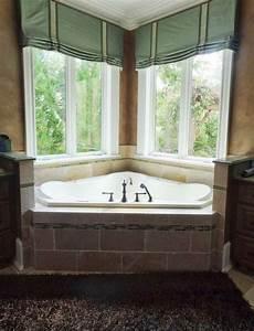 Bathroom window treatments ideas vizimac for Window treatments for the bathroom