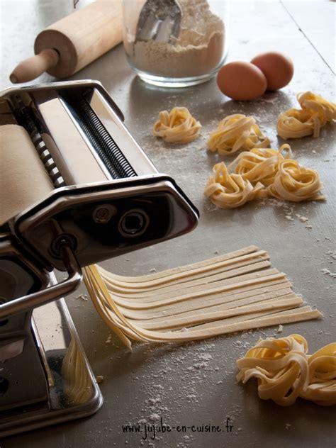 machine de cuisine faire ses pâtes fraiches maison aux oeufs et à la semoule