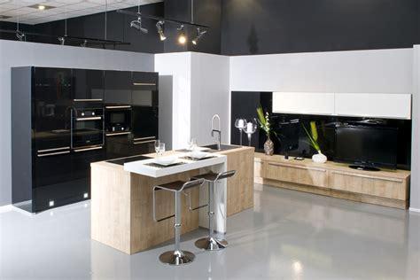 tv dans cuisine aviva fait aussi de l aménagement salon et des meubles tv