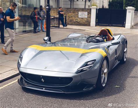 The ferrari roma was short on details when it was released a month ago. 阿斯顿马丁V12 Speedster今天会发布市面-乐生活