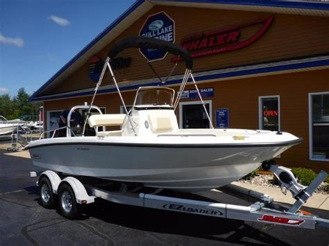 Boston Whaler Deck Boats by Boston Whaler Deck Boats For Sale In Michigan Boatinho