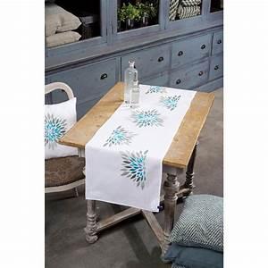 Chemin De Table Moderne : chemin de table broder fleurs modernes vervaco pn 0154580 chez univers broderie ~ Teatrodelosmanantiales.com Idées de Décoration
