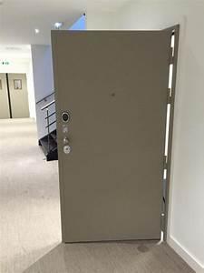 bloc porte blinde avec serrure motorisee et biometrie With serrure bloc porte
