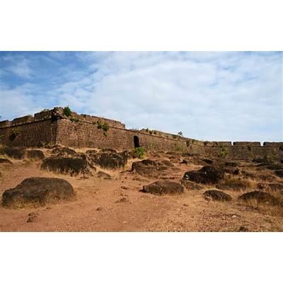 Forts in Goa: Chapora Fort North GoaIndia.com