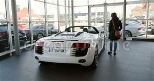Audi Strasbourg : woman buying luxury race car audi r8 stock video video 63008293 ~ Gottalentnigeria.com Avis de Voitures