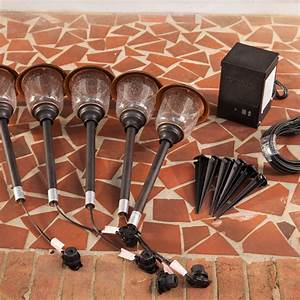How to install landscape lighting kits : Install landscape lighting