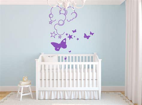 pochoirs chambre bébé des idées pour décorer la chambre de bébé abcmaison