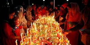 Photos of Hindus celebrating Diwali Festival of Lights ...