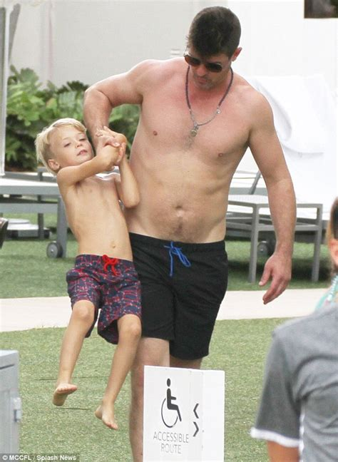 bryan callen father robin thicke shirtless as he hangs out with son julian