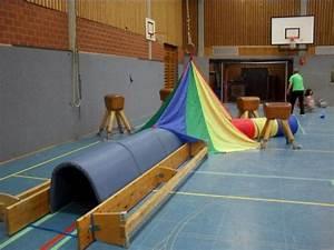 Turnen Mit Kindern Ideen : krabbeln und kriechen sport turnen mit kindern turnen und kindergarten ideen ~ One.caynefoto.club Haus und Dekorationen