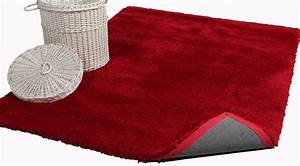 tapis de salon rouge With tapis shaggy avec canapé 1000 euros