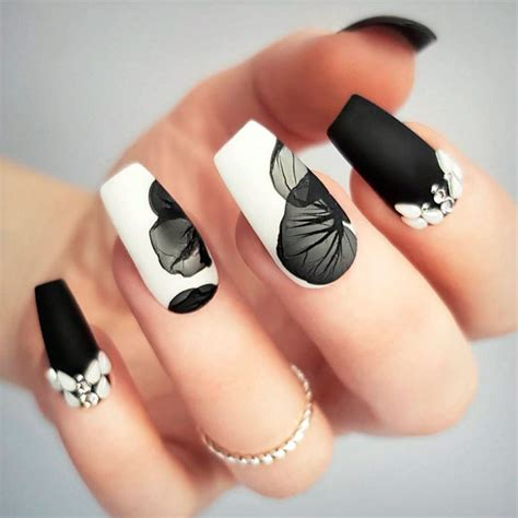 Coffin nail designs look great on long nails because of the ample nail bed space. Coffin Nails Ideas For Enchanting Look ...