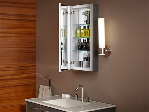 Verdera Medicine Cabinet With Mirrored Door