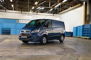 Nouveau Ford Custom : les ford transit et ford transit custom voluent et s 39 quipent du nouveau moteur diesel ecoblue ~ Medecine-chirurgie-esthetiques.com Avis de Voitures