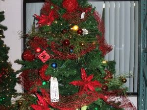 decorating a christmas tree with mesh netting tip of the day how much ribbon do you need to decorate a tree shinoda design center