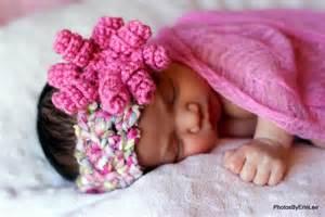 Crochet Baby Headband Pattern with Flowers