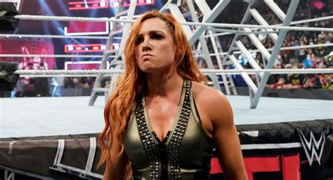 becky lynch fires   wwe hall  famer