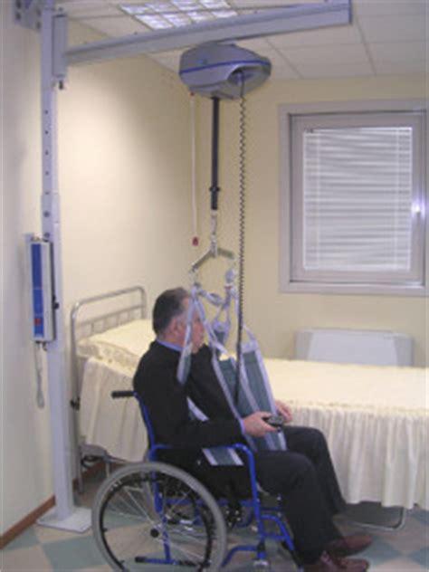 sollevatori per disabili a soffitto sollevatori a bandiera e a binario per disabili e anziani