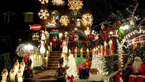 where to see the best lights in nyc this season