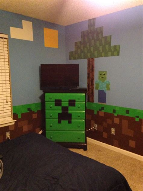 Minecraft Bedroom Pictures by Minecraft Bedroom Minecraft Creeper Chest Of Drawers With