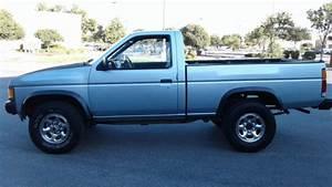 Clean  Excellent Running 1991 Nissan 4x4 Hardbody Pickup