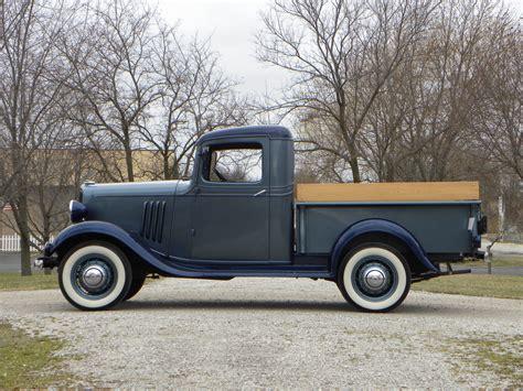 1934 Chevrolet 12 Ton  Volo Auto Museum