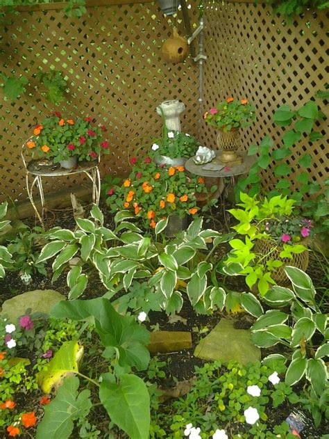 32 Best Images About Corner Gardens Ideas On Pinterest
